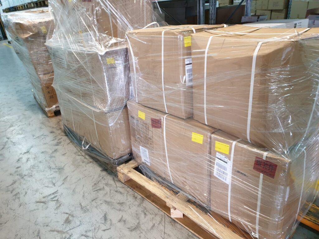 Smo eni izmed najhitrejših dobaviteljev zamaškov in pokrovčkov standardnih dimenzij v Sloveniji, saj jih uvažamo iz Kitajske preko DHL