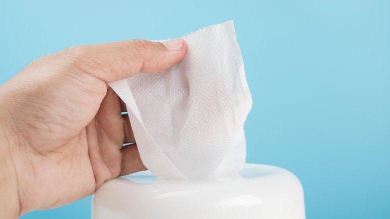Dezinfekcijski robčki za roke, razkužilni robčki za čiščenje in razkuževanje površin